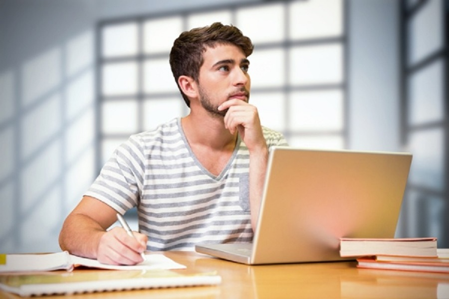The beauty of studying online means that you can study whenever it suits you.